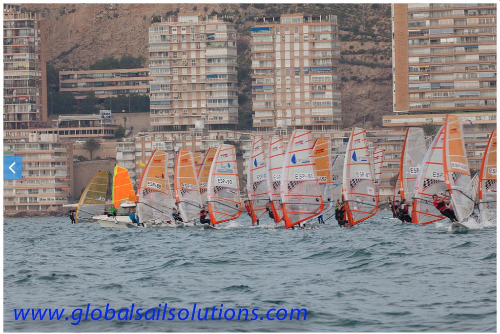 Finaliza el X Trofeo CN Alicante Costa Blanca sin disputarse la útlima jornada por culpa del viento