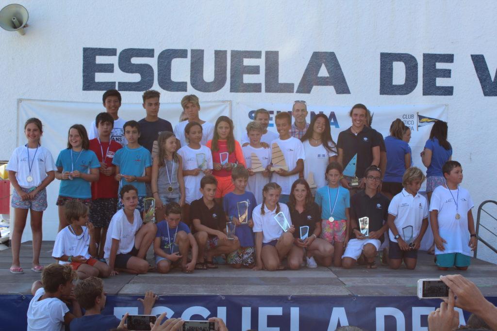 El Club Náutico de Jávea logra cinco primeros puestos en el Trofeo Rodolfo Tomás de Optimist y Vela Ligera