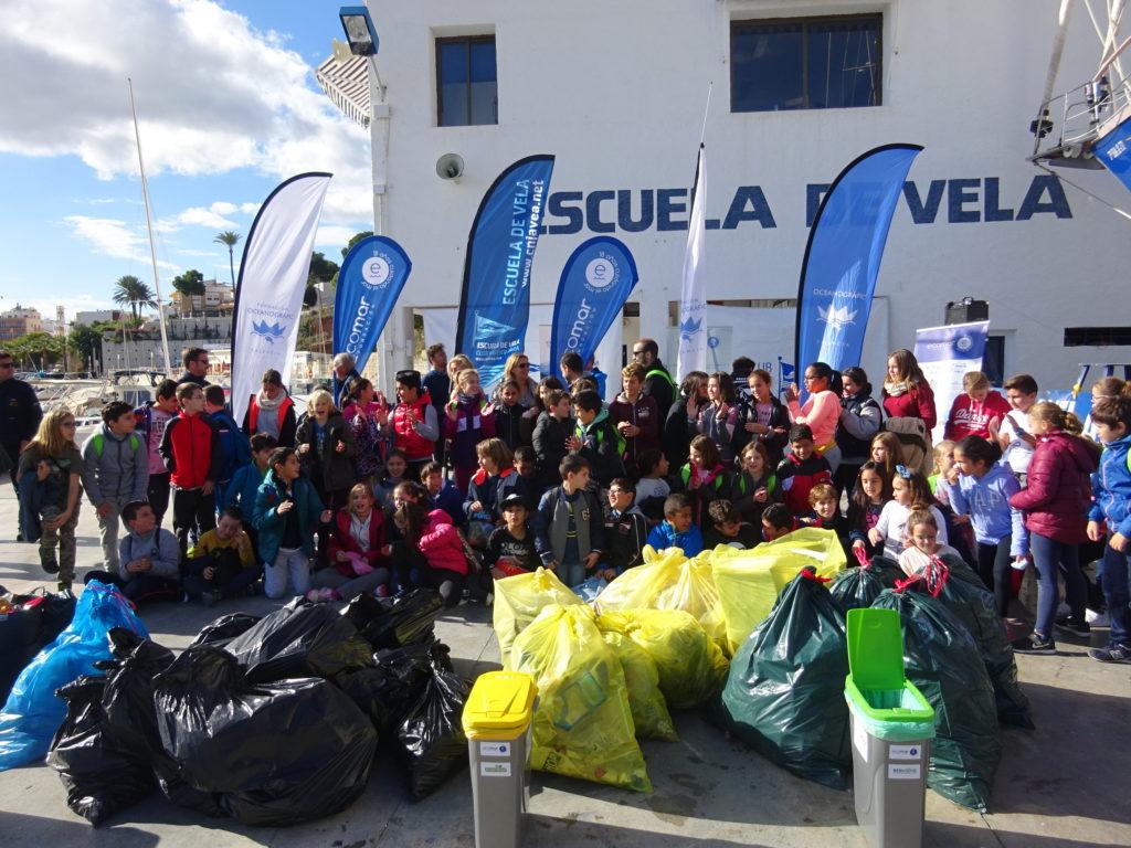 Los alumnos del Port de Xàbia recogen más de 150 kilos de residuos