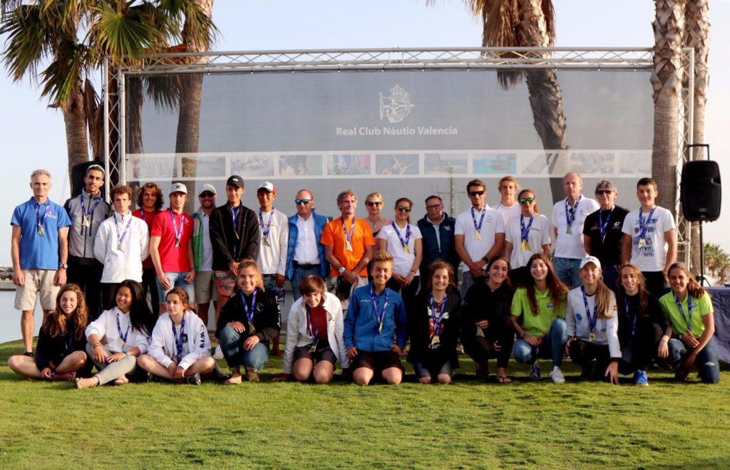 Más de 150 regatistas participaron en el Gran Trofeo Valencia