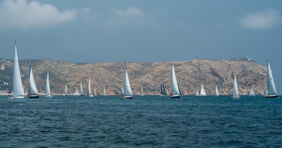 El I Encuentro Bahía de Jávea supera el centenar de embarcaciones