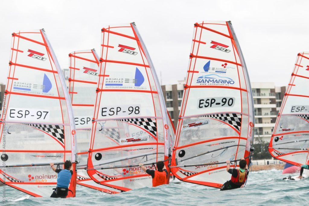 Cerca de 1.000 deportistas se darán cita en la 52ª Semana Náutica de Alicante