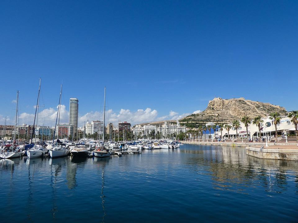 Alicante Puerto de Encuentro acogerá los campeonatos autonómicos de Vela crucero y Optimist