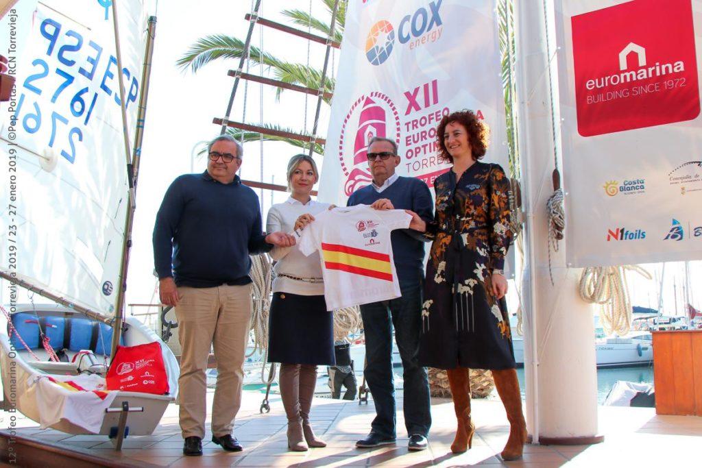 Puesta de largo para el 12º Trofeo Euromarina Optimist Torrevieja