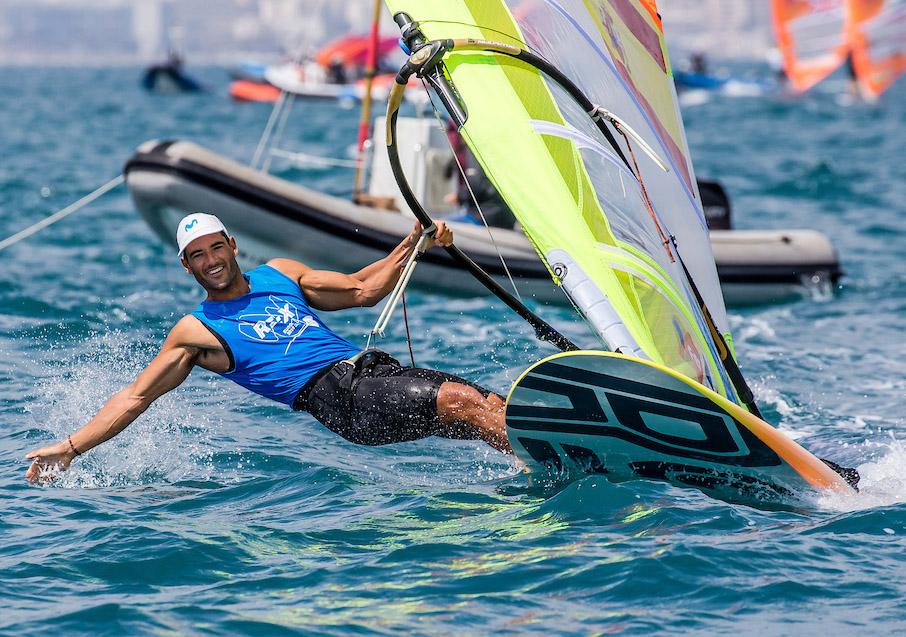 El santapolero Iván Pastor termina noveno el Europeo RS:X en Palma