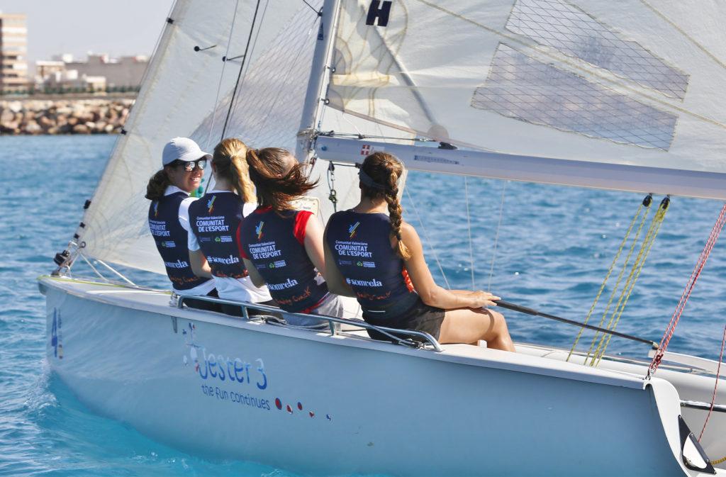 El equipo femenino de la 'Comunitat' pone rumbo a Palma para participar en la Copa del Rey Mapfre