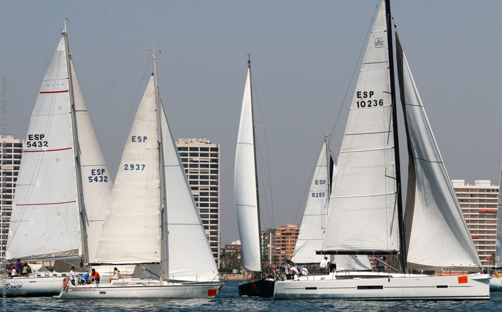Sopu Dos y Dedee lideran las copas Autonómicas y Promoción, Trofeo Advanced Sails